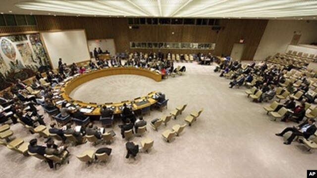 A wide view of the Security Council as it discusses the situation in Haiti. At the meeting Members heard from Alain Le Roy, Under-Secretary-General for Peacekeeping Operations, who briefed on Haiti's political crisis stemming from a contested first round