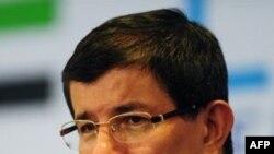 Əhməd Davutoğlu:NATO təhlükəsizlik bərpa olana qədər Liviyada əməliyyatları davam etdirəcək