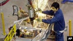 Nhiều doanh nghiệp được khảo sát cho biết dự định dời xưởng sản xuất từ Trung Quốc sang Việt Nam, Pakistan, Bangladesh, và Philippines