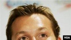 Dalam konferensi pers hari Rabu (2/2), Ian Thorpe mengumumkan akan kembali bertanding dan berusaha masuk tim Olimpiade London 2012.