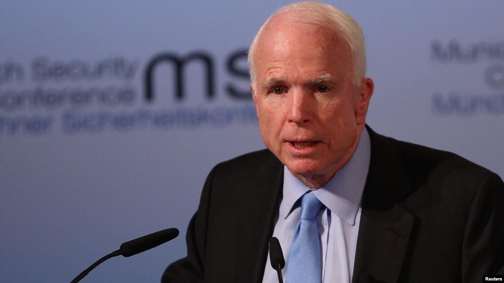 Thượng nghị sĩ John McCain phát biểu tại lễ khai mạc Hội thảo An ninh Munich lần thứ 53 ở Munich, Đức, ngày 17/2.
