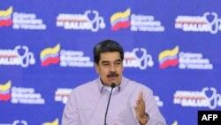 El mandatario venezolano en disputa aseguró tener pruebas, pero no mostró ninguna en el momento de los comentarios.