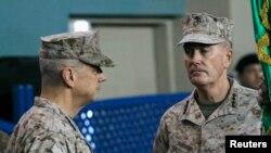 Джон Аллен и Джозеф Данфорд. Кабул, Афганистан. 10 февраля 2013 года