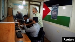 نیروهای تشکیلات خودگردان در گذرگاه مرزی غزه مستقر شدند.