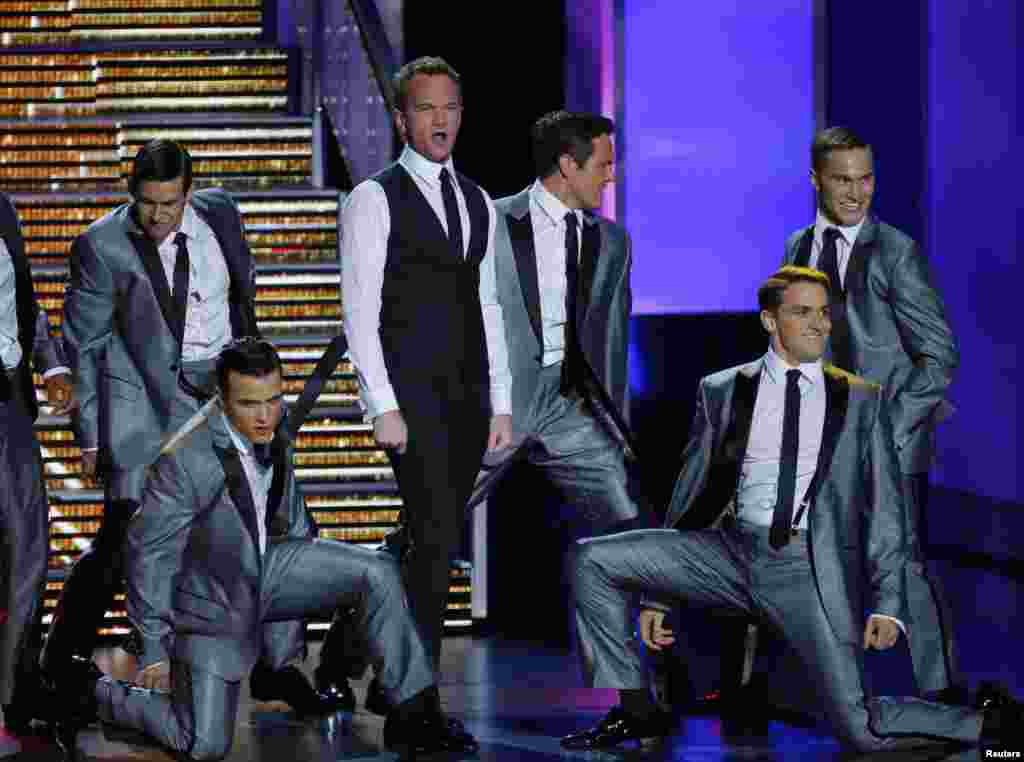 Host Neil Patrick Harris performs a musical number at the 65th Primetime Emmy Awards in Los Angeles, Sept. 22, 2013.