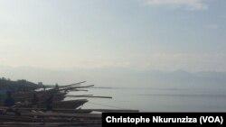 Vue sur le lac (VOA/ Christophe Nkurunziza)