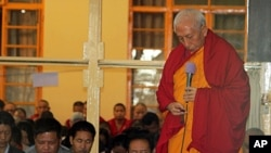 Kalon Tripa Prof. Samdhong Rinpoche with the dignitaries of CTA calls for a minute's silence by the congregation.