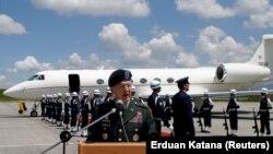 ნატოს ჯარების ყოფილი მთავარსარდალი გენერალი ჯონ (ბენც) კრადოკი