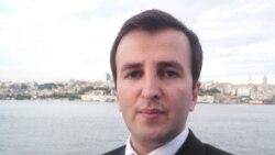 """""""Dollarla pul qazanıb, maaşları rialla ödəyən İslam Respublikası..."""""""