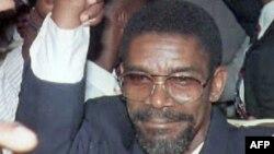 "Foto Achiv - Emmanuel ""Manno"" Charlemagne nan Potoprens, Ayiti."