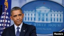 Presiden Amerika Barack Obama saat memberikan keterangan terkait masih berlangsungnya penutupan parsial Pemerintah AS dari Gedung Putih, 8 Oktober 2013 (Foto: dok).