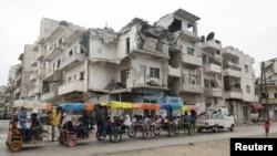 Watt watembezwa kwa gari la mkokoteni latina mui wa Idlib Syria haiku ya Eid al-Fitr