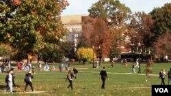 美国大学校园一角(视频截图)