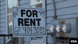 'For Rent' signs have started appearing in York Springs, PA, as some Hispanic immigrants move away. (M. Kornely/VOA)