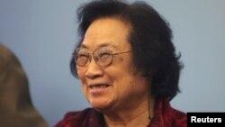 Bà Đồ U U, khoa học gia người Trung Quốc đoạt giải Nobel Y học 2015.
