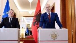 Barroso në Tiranë: Pas Statusit sfida të reja