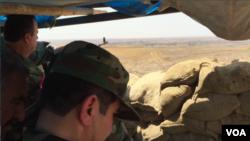 Borci Pešmerga na liniji fronta izmedju Kurda i ISIS-a istočno od Mosula