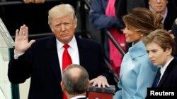 Tổng thống Donald Trump trong lễ tuyên thệ nhậm chức vào ngày 20/1/2017.
