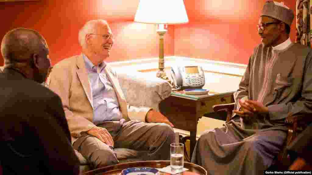Le président nigérian, Muhammadu Buhari avec John Padden, Washington, 19 juillet, 2015
