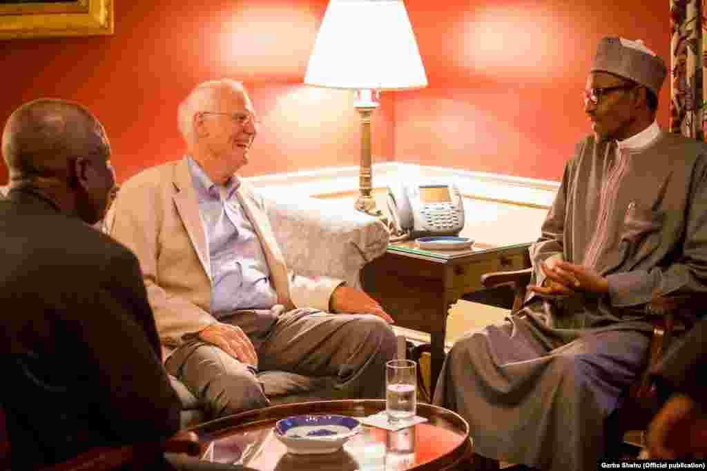 Shugaban Najeriya Muhammad Buhari da John Padden a Blair House, ranar Lahadi 19 ga watan Yuli, 2015