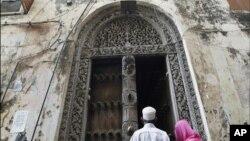 مسجدی در مرکز «شهر سنگی»، بخش تاریخی جزیره زنگبار در غرب اقیانوس آرام