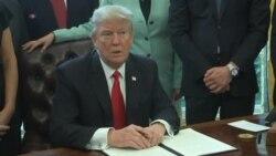 Trump Signs Exec Order Cutting Business Regulations