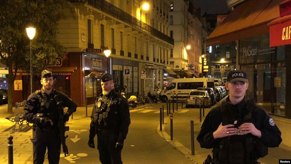案件現場的法國警方
