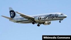 Sebuah pesawat Boeing-737 milik maskapai Alaska Airlines (foto: Wikipedia).