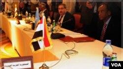 Kursi PM Suriah terlihat kosong saat berlangsungnya rapat Liga Arab terkait situasi di Suriah (24/11).