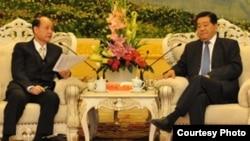 海基會董事長林中森和中國政協主席賈慶林進行會晤(照片來源:海基會)