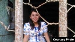 မေခ်ာစႏၵီထြန္း (ေခၚ)ခ်စ္သမီးကိုု ဆက္သြယ္ေရးဥပေဒပုုဒ္မ ၆၆ ဃ ဒီကေန႔ မအူပင္တရားရံုုးကေန ေထာင္ဒဏ္ ၆ လ ခ်မွတ္ (photo- Robert Sann Aung Facebook)