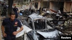 Bom mobil berkekuatan tinggi meledak pada jam sibuk di di distrik Achrafieh, Beirut hari Jumat (19/10).