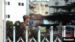 Công ty an ninh mạng Mandiant đã truy ra những hoạt động của nhóm tin tặc tới một khu ở Thượng Hải, nằm xung quanh trụ sở chính của đơn vị bí mật 61398 của Quân đội Giải Phóng Nhân dân Trung Quốc.