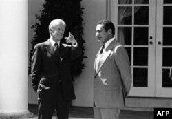 Muborak AQSh sobiq prezidenti Jimmi Karter bilan, Oq uy, 1979