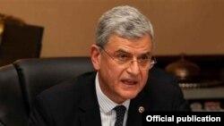 AB Bakanı ve Başmüzakereci Volkan Bozkır, Türkiye'nin yeni AB Stratejisi'nin üçüncü ayağı olan İletişim Stratejisi'ni Brüksel'de açıkladı.