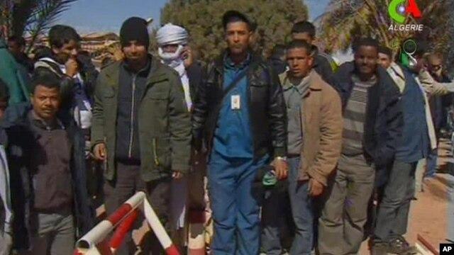 지난 18일 알제리 석유시설에서 구출된 인질들 모습.