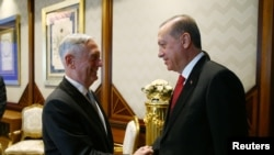 თურქეთის პრეზიდენტი და ამერიკის თავდაცვის მდივანი