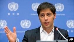 """""""Larrepública argentina ha procedido al pago de los servicios de capitales e intereses"""", dijo el ministro de Economía en una conferencia de prensa."""