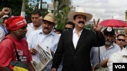"""La Comisión concluyó que sustituir a Zelaya no es trabajo del Congreso """"no tiene atribuciones para destituir al presidente de la república ni para nombrar al sustituto""""."""