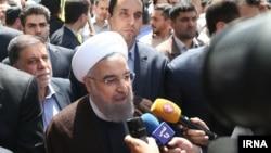 حسن روحانی رئیس جمهوری ایران در راهپیمایی روز قدس در تهران - ۱۱ تیر ۱۳۹۵