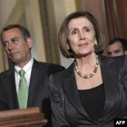 Vakillar Palatasida demokratlar sardori Nendi Pelosi spiker, respublikachi Jon Beyner bilan