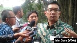 Walikota Bandung, Ridwan Kamil akan meningkatkan kualitas keamanan kota dengan menambah pemasangan 88 CCTV dan penambahan petugas polisi di malam hari (foto: dok).