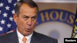 El presidente de la Cámara de Representantes, John Boehner, quiere evitar un cierre del gobierno aprobando un presupuesto a corto plazo.
