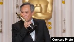 """華人導演李安憑""""少年派的奇幻漂流""""獲得奧斯卡最佳導演獎獎。"""