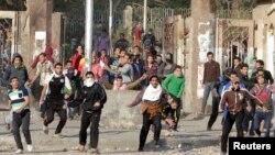 Sinh viên Đại học al-Azhar ủng hộ tổ chức Huynh đệ Hồi giáo và tổng thống bị lật đổ xô xát với cảnh sát 8/1/14