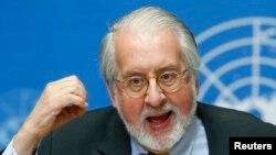 Chủ tịch Ủy ban Điều tra về Syria Paulo Pinheiro nói chuyện trong một cuộc họp báo ở Genève