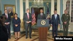 Tổng thống Obama và các giới chức an ninh trong cuộc họp báo sau buổi họp tại Bộ Ngoại giao Mỹ ngày 25/2/2016.