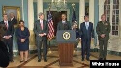 باراک اوباما در جمع شماری از اعضای کابینه اش پس از جلسه روز پنجشنبه در مورد داعش سخنرانی کرد.