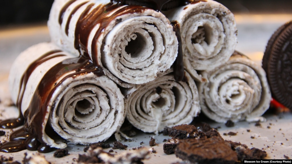Thai style rolled ice cream getting popular in us rolled ice cream made with vanilla oreo and bananas ccuart Choice Image