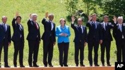 Chansela wa Ujerumani Angela Merkel (C) akiwa na viongozi wa G7 huko Schloss Elmau, Germany.